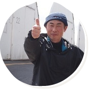 栽培担当竹田さん 照れながらもポーズバッチリ!